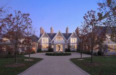 traditional meets modern east hampton andrew pollock architect exterior